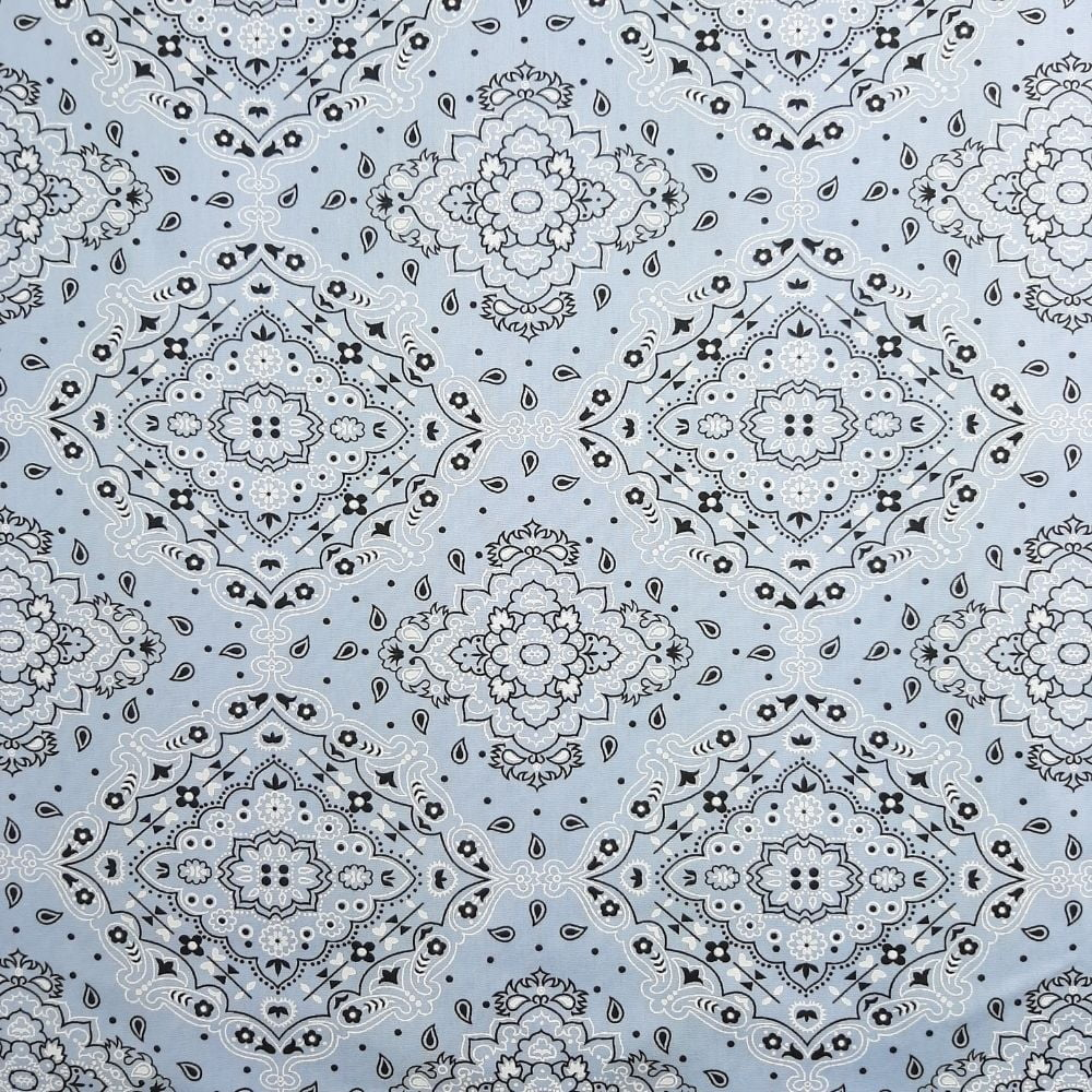 Tricoline Bandana Fundo Branco Com Cinza 100% algodão - valor referente a 50 cm x 1,50 cm