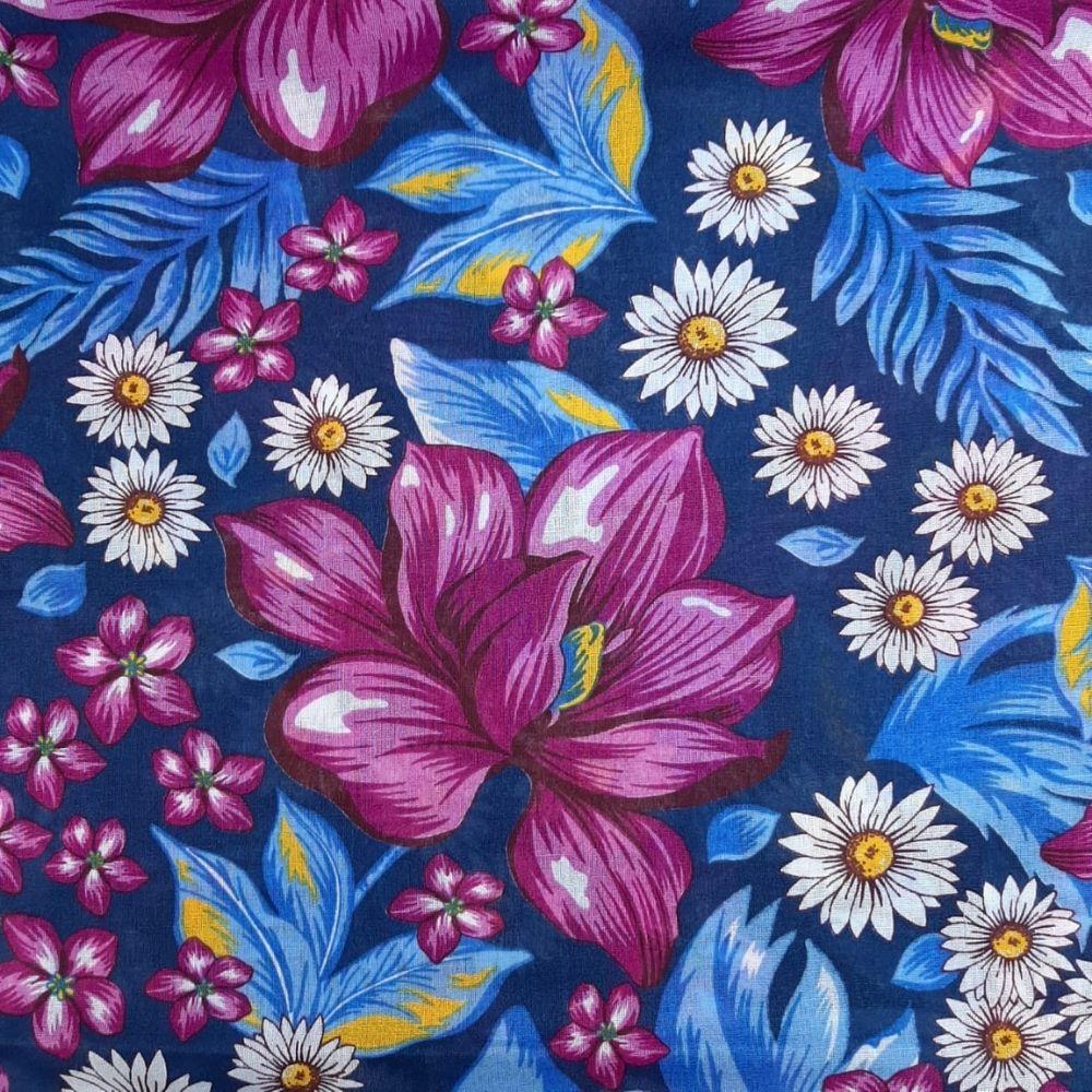 Chita fundo Azul Marinho Com Flores Roxa - 100% algodão - valor referente a 50 cm x 1,40 cm