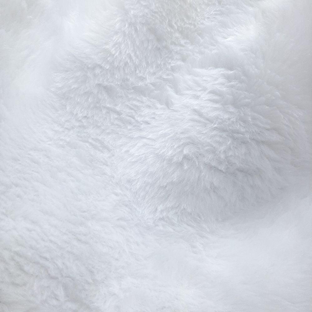 Pelúcia Branca - valor referente 50 cm x 1,40 mt